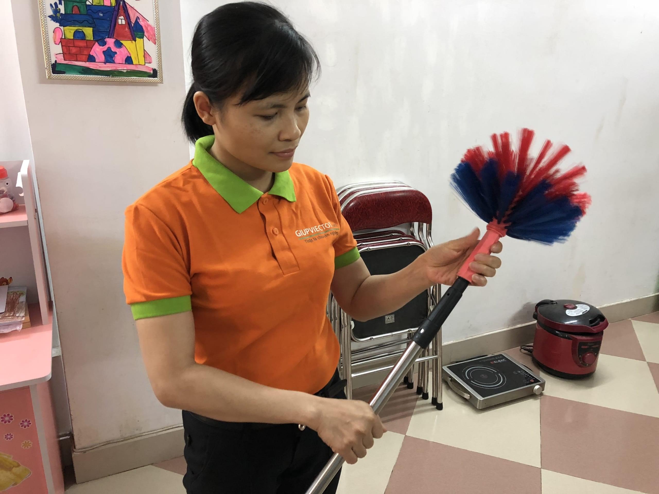 Dịch vụ vệ sinh theo giờ uy tín tại Hà Nội
