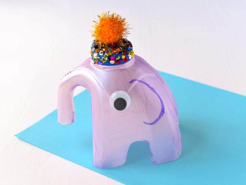 con voi được làm từ chai nhựa