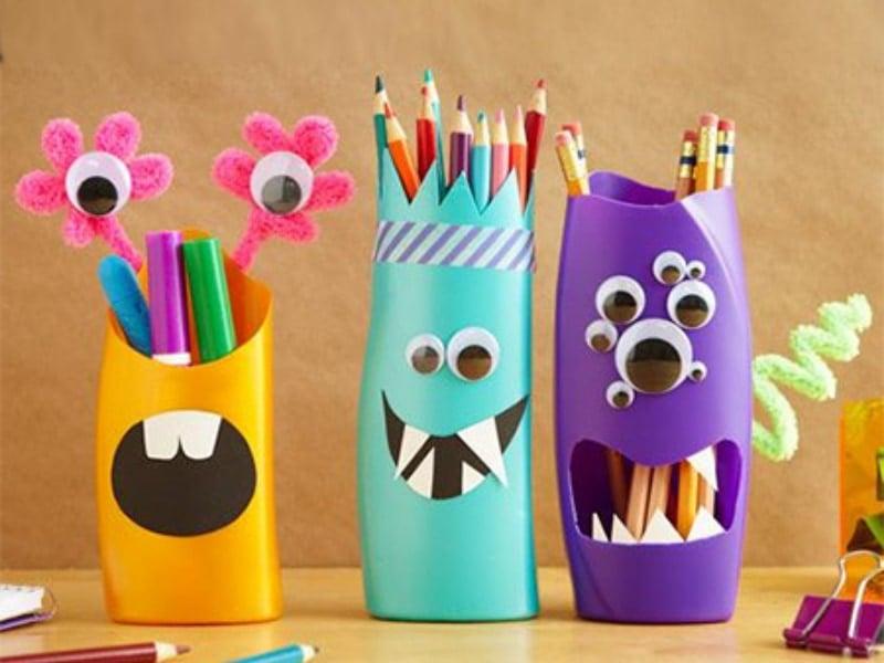 hộp đựng bút làm từ chai nhựa