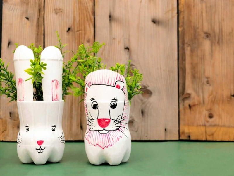 làm con thỏ bằng chai nhựa
