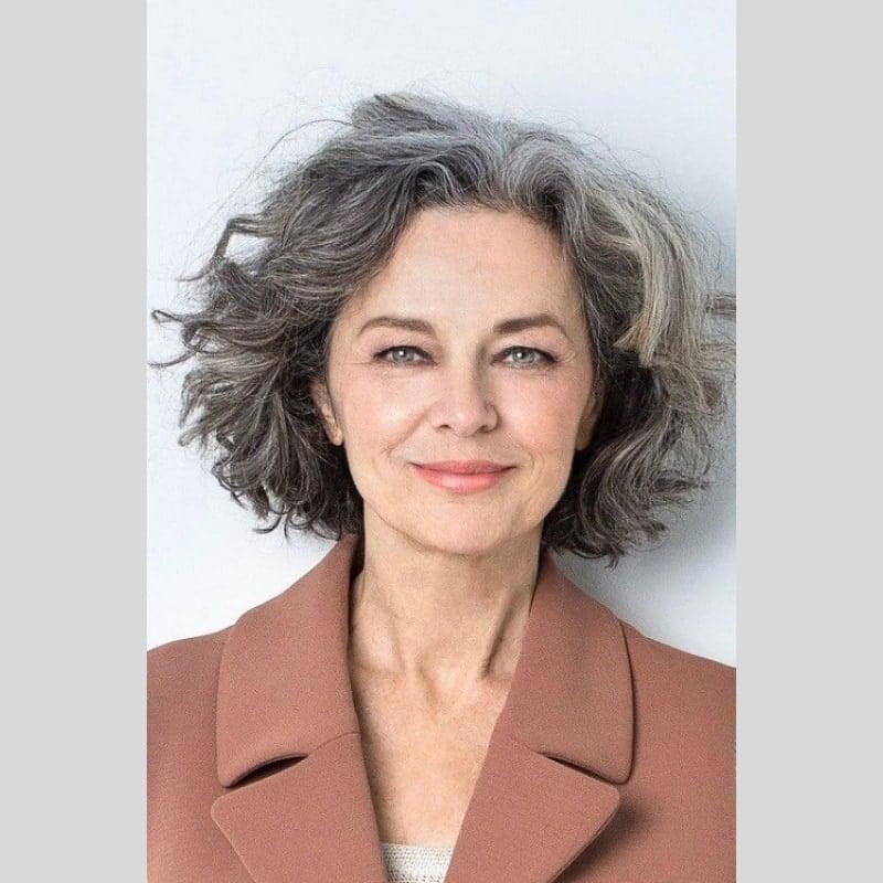 kiểu tóc xoăn cho người già
