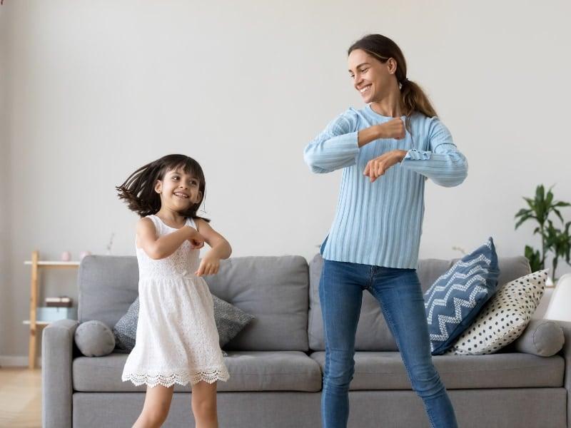 tìm giúp việc trông trẻ hà nội uy tín