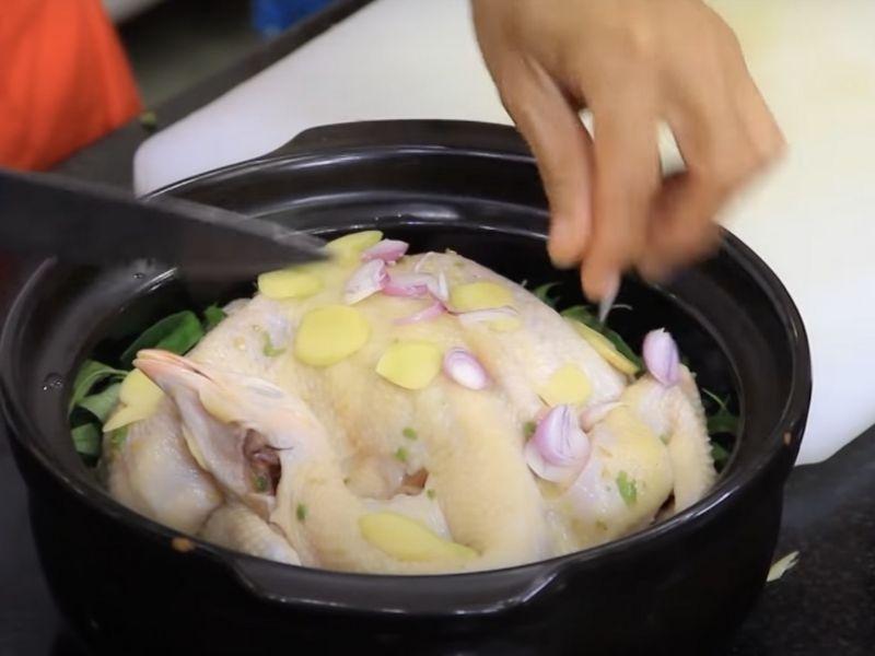 Cách làm gà hấp muối hoa tiêu