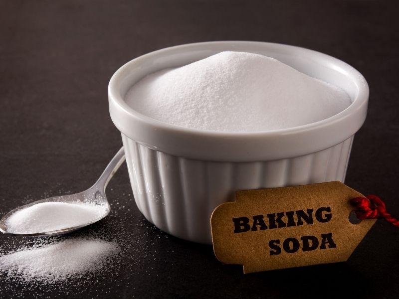 cách giặt ghế sofa da bằng baking soda