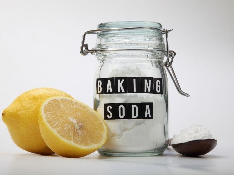 cach-lam-sach-ghe-sofa-vai-bang-baking-soda