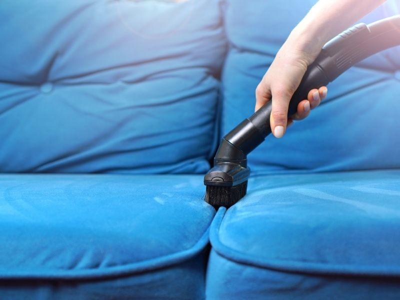 cách làm sạch sofa nhung