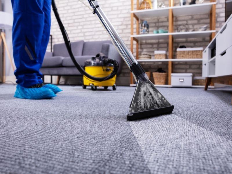 giá giặt thảm tại nhà phù hợp với chất lượng nhân sự