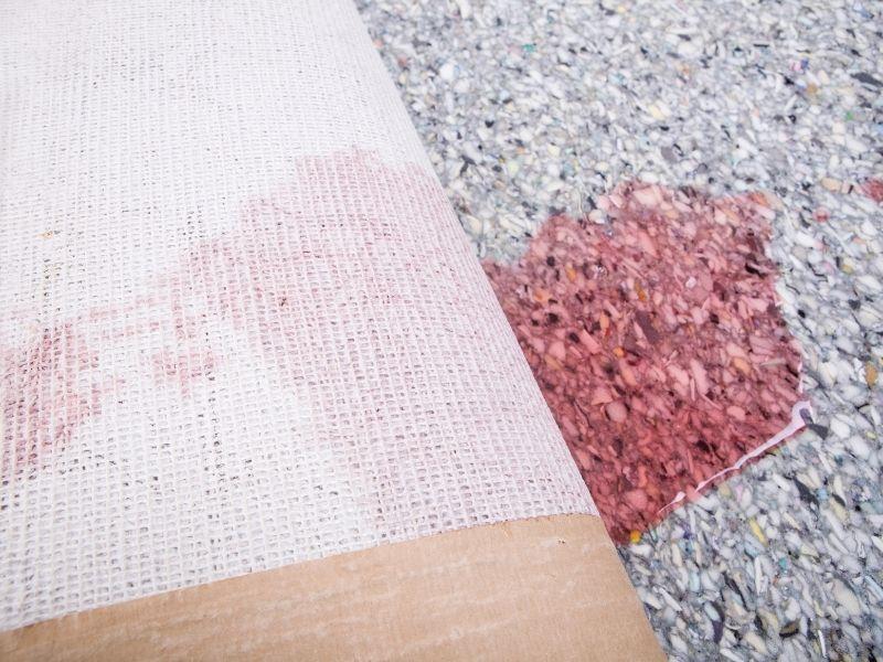 ngâm trước khi giặt thảm lông xù