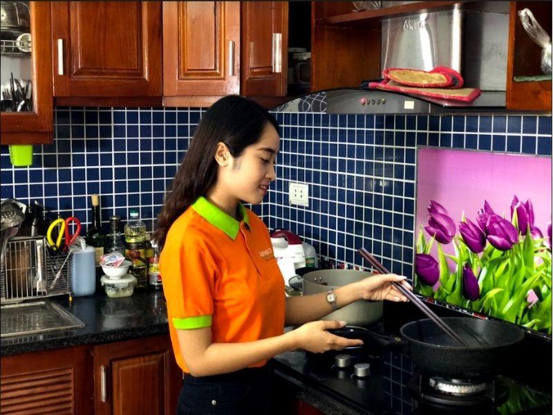 phụ giúp việc nhà theo giờ có khả năng nấu nướng