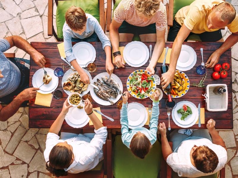 bài thơ về bữa cơm gia đình