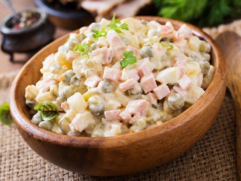 nguyen-lieu-lam-salad-nga